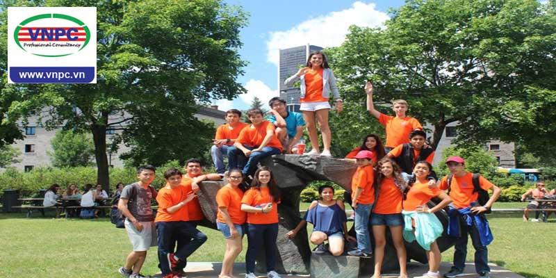 Trại hè dành cho học sinh từ 12 -17 tuổi khi du học hè Canada tại trường THPT Bronte