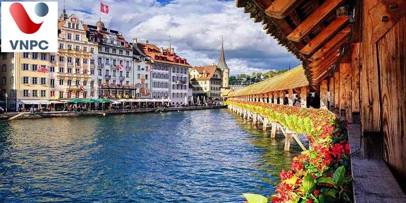 Trong thời gian học ở Thụy Sỹ, du học sinh có được du lịch ở các nước lân cận không?