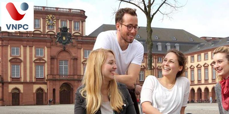 Cơ hội trải nghiệm môi trường học tại Đại học Mannheim của Đức