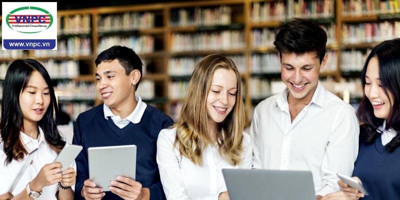 Khi cho con đi du học THPT tại Canada, ba mẹ phải chuẩn bị những gì?