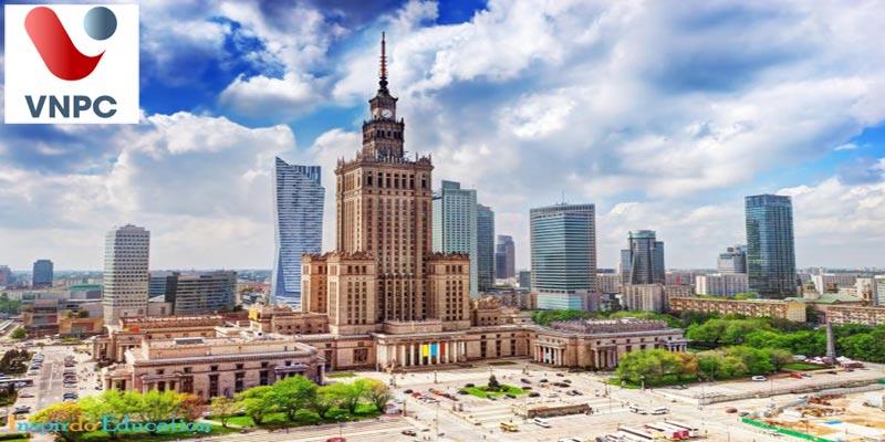 Học tập tại trường Collegium Civitas in Warsaw tại thủ đô Warsaw, Ba Lan xinh đẹp