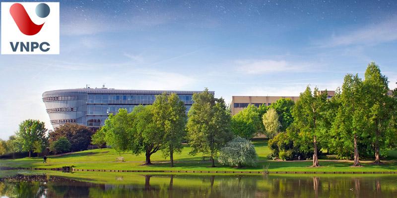 Đại học có tỷ lệ sinh viên tốt nghiệp có việc làm cao nhất Anh Quốc: Đại học Surrey