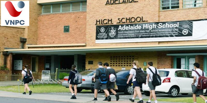 So sánh hai lựa chọn du học Úc THPT: Học trường công lập hay tư thục thì tốt?