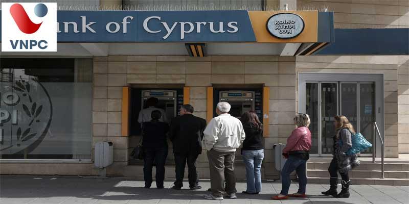 Dịch vụ ngân hàng ở Síp